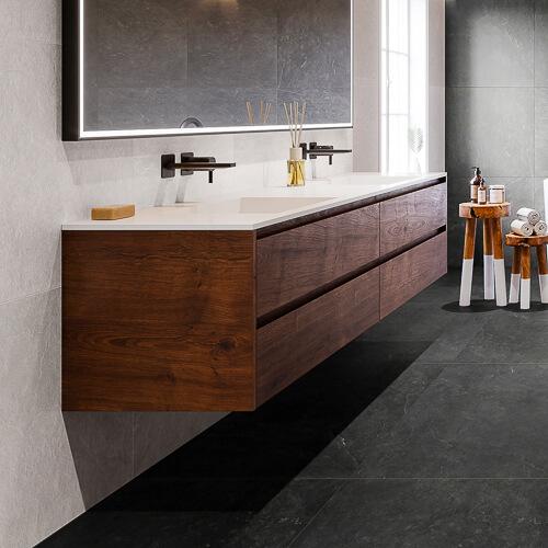 Závesný kúpeľňový nábytok